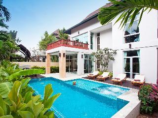 Villa David - 4 Bedroom Villa Near Pattaya - Jomtien Beach vacation rentals