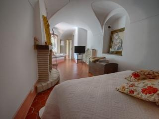 AMBRA in B&B Le Gemme - Dolceacqua vacation rentals