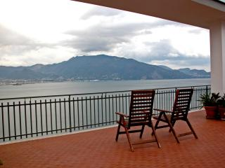 Penthouse on the sea near Pompéi et Sorrento - Torre Annunziata vacation rentals