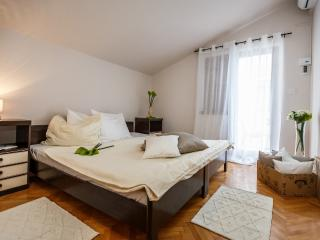 Villa Sonata (A6) room 6 - Omis vacation rentals