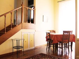 Leopardi apartment - Florence vacation rentals