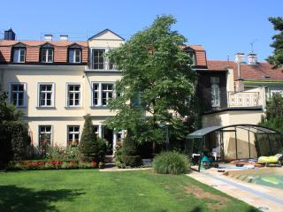 2 bedroom Condo with Internet Access in Vienna - Vienna vacation rentals