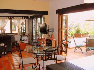 Selva Romántica Pelícanos - Puerto Vallarta vacation rentals
