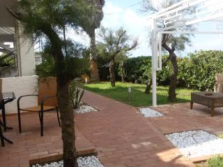 casa-villa sul mare - Isola di Capo Rizzuto vacation rentals
