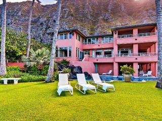A Luxurious Estate for 20 ~ Sitting on the Warm Sands of Oahu! - Lahaina vacation rentals