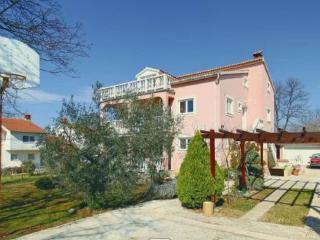 Holiday retreat duplex villa-apt. Poreč Croatia - Porec vacation rentals
