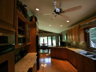 Executive Rental in Barrington Schools! - Grayslake vacation rentals