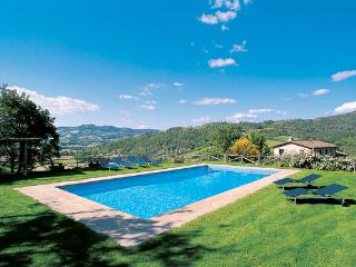 Stone- built farmhouse with attached guesthouse, close to Umbertide and the Tuscan border. HII ARC - Umbria vacation rentals