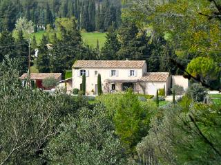 Luxury 5 Bedroom Vacation House in Luberon, with a Pool, Villa YNF LAM - Luberon vacation rentals