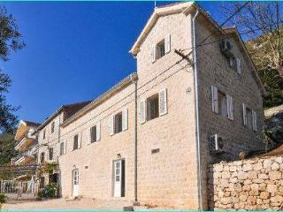 4 bedroom House with Internet Access in Perast - Perast vacation rentals