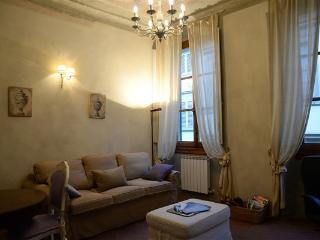 DUOMO APARTMENT heart of Florence - Florence vacation rentals