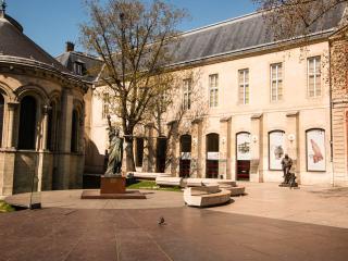 Montorgueil Apartment in Paris - Ile-de-France (Paris Region) vacation rentals