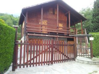 chalet di montagna su 3 piani. giardino e barbecue - Roure vacation rentals
