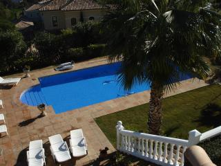 3 bedroom Villa with Internet Access in San Roque - San Roque vacation rentals