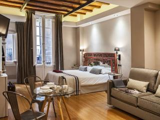 Beautiful studio near Plaza Catalunya - Barcelona vacation rentals