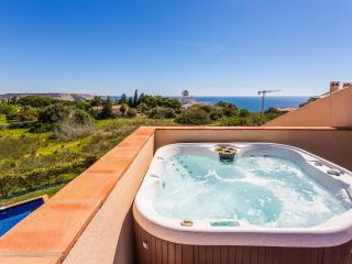 2x Apartment with Private Pool, jacuzzi & Sea View - Luz vacation rentals