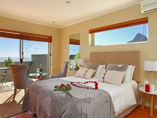 Sea view suite in Villa Atlantica Boutique Guesthouse - Camps Bay vacation rentals