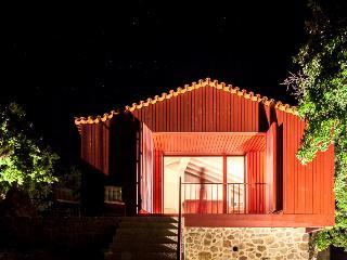Traços D'Outrora - Rosalina's House - Vale de Cambra vacation rentals
