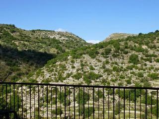 VISTA SUGLI IBLEI - Ragusa vacation rentals