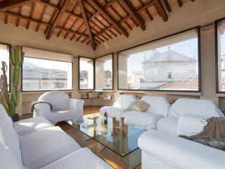 PANORAMIC FRESCOED PENTHOUSE Spoleto, sleeps 6 - Spoleto vacation rentals