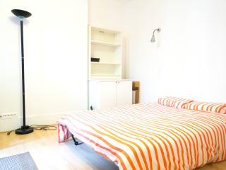 Montparnasse Studio - Paris vacation rentals