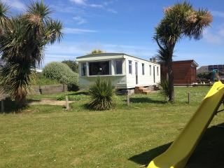 Large 3 bed Mobile Home by Beach. 30km Dublin City - Rush vacation rentals