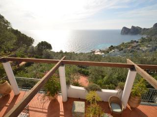 APPARTAMENTO LA GRANSEOLA C - Marina del Cantone vacation rentals