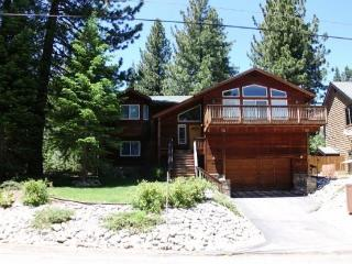 Fantastic, Deluxe Tahoe four bedroom home with hot tub and pool table - Kyburz vacation rentals