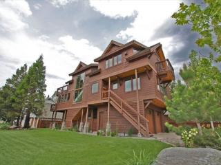4039G-Deluxe Tahoe Stateline area home; one block to lake, walk to casinos, Heavenly Village and Gondola! - South Tahoe vacation rentals