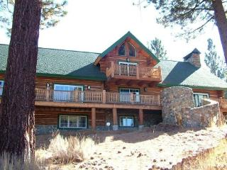 Huge Log home on a 16 acre lot, a unique Tahoe home in the pines. - Lake Tahoe vacation rentals