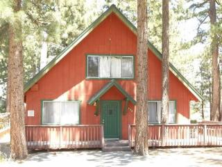 V16-Wonderful Tahoe cabin just one block to the Lake - South Lake Tahoe vacation rentals