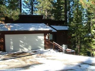 V24-Tahoe cabin in the Pines, quiet location, wonderful back deck set in the trees, affordable pricing - South Lake Tahoe vacation rentals