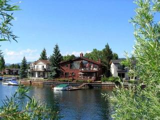V7-Beautiful Tahoe Keys gem of a home! The perfect family get away with dock, close to main Lake entrance - South Lake Tahoe vacation rentals