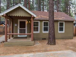 2524K-Newly remodeled cabin, cute and cozy, gas fireplace, two flatscreen TV`s - South Lake Tahoe vacation rentals