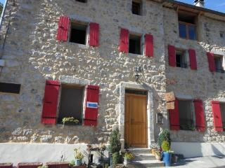 Nice Guest house with Swing Set and Trampoline - Labastide-sur-Besorgues vacation rentals