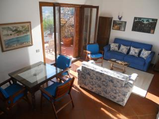 Beautiful House with Deck and Internet Access - Isola Del Giglio vacation rentals