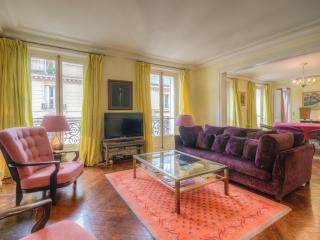 Style, Luxury and an Ideal Paris Location, 10% OFF - Clichy vacation rentals