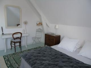 Nice Guest house with Internet Access and Central Heating - Chalon-sur-Saone vacation rentals