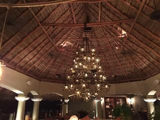 Bright 6 bedroom Manzanillo Villa with Internet Access - Manzanillo vacation rentals