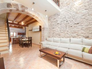 Superb loft, XVI century house - Alcudia vacation rentals