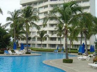 Departamento Zona Diamante Mayan Palace - Acapulco vacation rentals