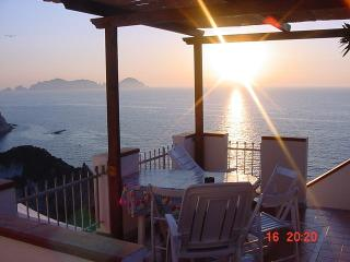Nice 7 bedroom Ponza Bed and Breakfast with Television - Ponza vacation rentals