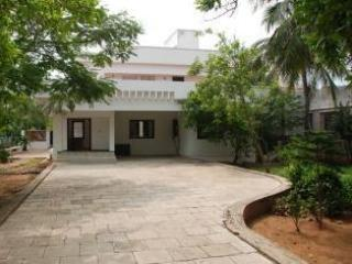 A spacious house with courtyard- Room 1 - Chennai (Madras) vacation rentals