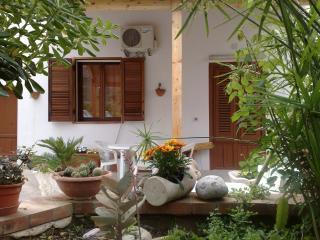 Casa con giardino e parcheggio vicino al mare - Capaci vacation rentals