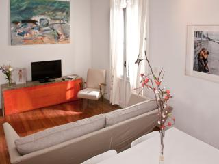 Art studio with big french balcony - Buenos Aires vacation rentals