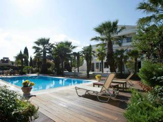 Villa Elena Perea, Thessaloniki - Makry-Gialos vacation rentals