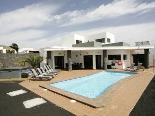 Child friendly 5* Villa in Playa Blanca - Playa Blanca vacation rentals