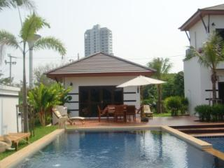 Pool Villa for family in VIP Chain Resort on Hat Mae Rumphueng Beach - Ban Phe vacation rentals