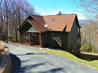 A Bears Den Location: Between Boone & Blowing Rock - Boone vacation rentals