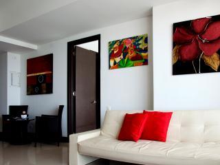 Beautiful 2 Bedroom on the Beach - Cartagena vacation rentals